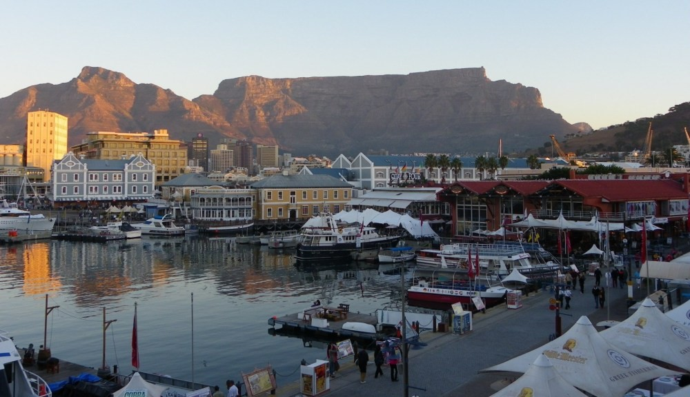 The V&A Waterfront is one of the highlights of Cape Town, together with iconic Table Mountain